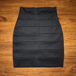 🖤 Black Pencil Skirt
